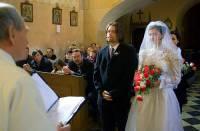 Na obrázku č.23 vidíme nevěstu ze seriálu: (náhled)