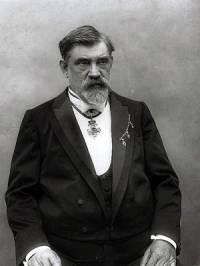 Jak se jmenuje slavný vynálezce na fotografii č.4? (náhled)