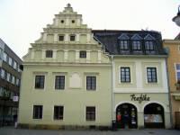 Jak se jmenuje a v jakém městě stojí historická stavba na obrázku č.13? (náhled)