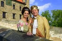 Z které pohádky je královský pár na obrázku č.1? (náhled)