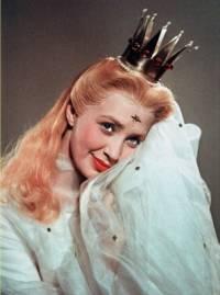 """Jak se jmenuje princezna z pohádky """"Princezna se zlatou hvězdou"""" na fotografii č.2 ? (náhled)"""