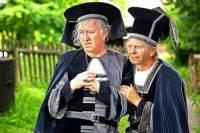 """Jak se jmenovali královští rádcové na obrázku č.12 ve filmové pohádce """"Tajemství staré bambitky""""? (náhled)"""
