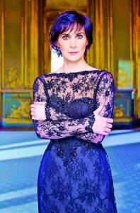 Na fotografii č.22 je charismatická zpěvačka: (náhled)