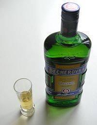 Kde se vyrábí Becherovka?