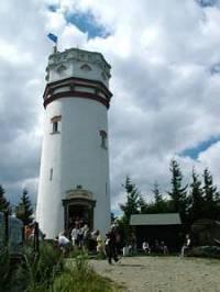 Obrázek č. 10 Na závěr testu vám představuji 20 metrů vysokou rozhlednu, postavenou v roce 1898, poznáte ji? (náhled)