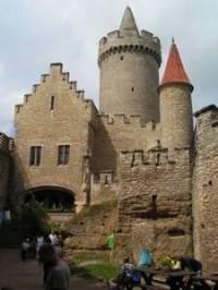 Obrázek č. 3 Na obrázku se nachází nádherný hrad ze 14. století, vzpomenete si na jeho jméno? (náhled)