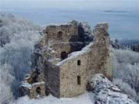 Obrázek č. 4 Na obrázku se nachází zřícenina jednoho z nejstarších hradů v Čechách, jak se jmenuje? (náhled)