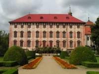 Obrázek č. 5 Původně renesanční zámek, který je postavený na místě bývalé gotické tvrze se jmenuje? (náhled)