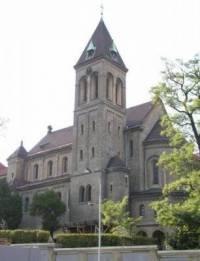 Jak se jmenuje kostel na obrázku? (náhled)