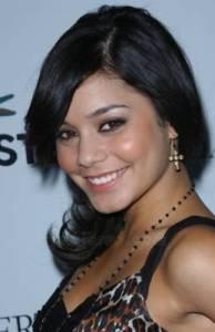 Jak se jmenuje herečka která hraje v seriálu High School musical Gabriellu Montézovou? (náhled)
