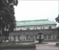 Na obrázku je Letohrádek královny Anny, který nechal vystavit Ferdinand I., v jakých letech? (náhled)
