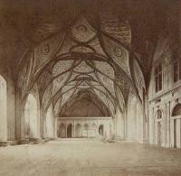 Na obrázku je Vladislavský sál (obrázek pochází z roku 1870), který má rozměry 62 x 16 metrů, ptám se vás, v jakém období byl postaven. (náhled)