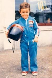 Tenhle prcek se o několik let později stal jezdcem F1. Kdo je to? (náhled)